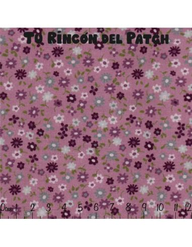 Country: Flores pequeñas sobre rosado